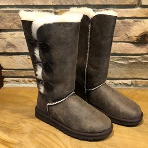NWT's UGGS Bailey Bomber Boots